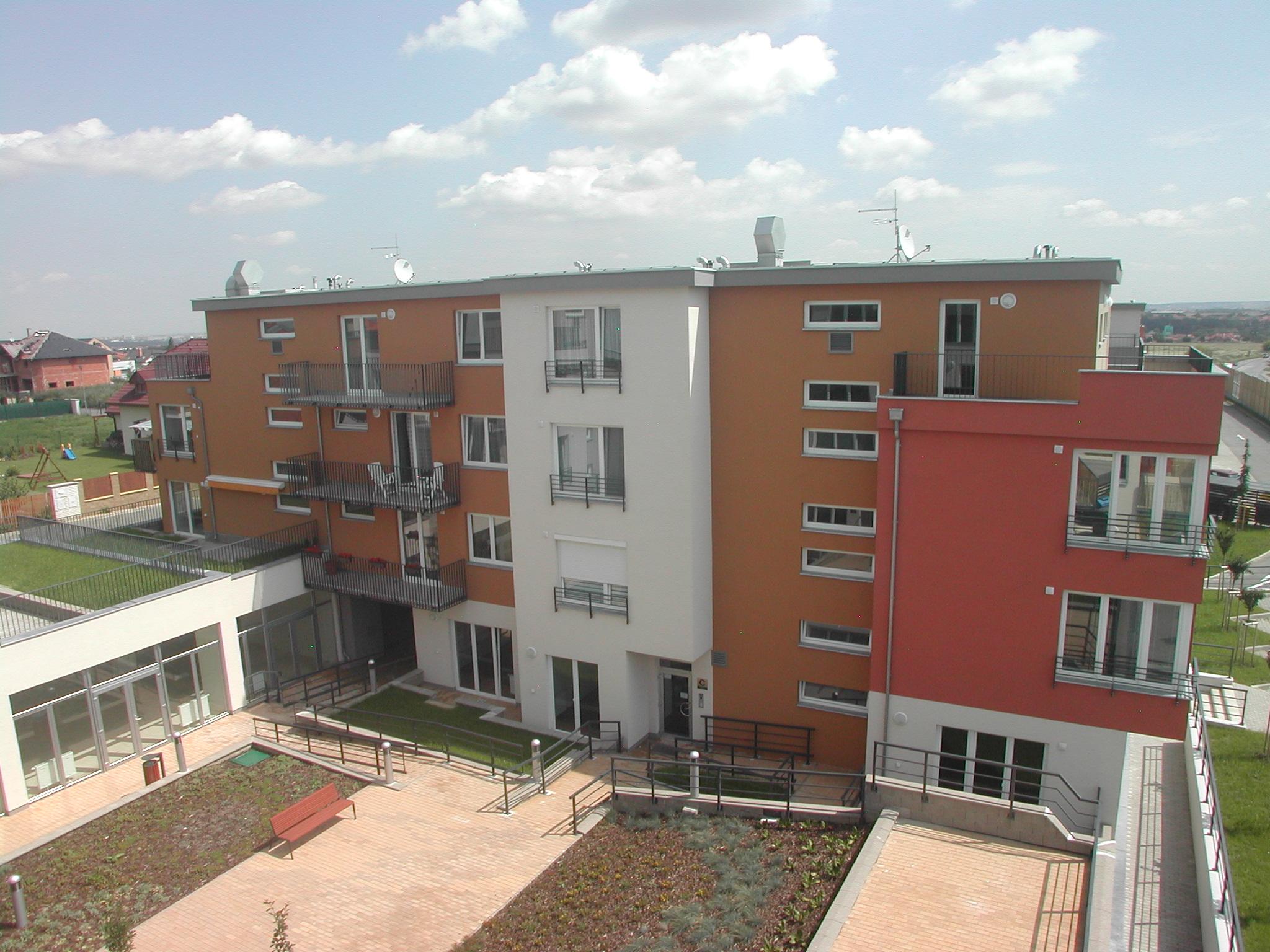 Výstavba bytového a komerčního komplexu Jesenice City